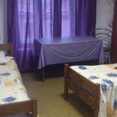 Мини-отель Лира Номер с общей ванной комнатой с различными типами кроватей (общая ванная комната) фото 48