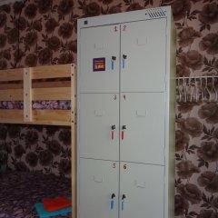 Hostel Dostoyevsky Кровать в женском общем номере с двухъярусной кроватью