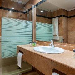 Hotel Silken Amara Plaza 4* Номер Комфорт с различными типами кроватей фото 3
