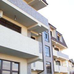 Апартаменты Apartment Tri Kita Сочи вид на фасад фото 4