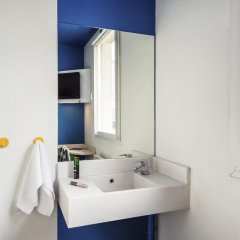 Отель hotelF1 Paris Porte de Montreuil ванная фото 2