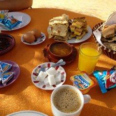 Отель L'Homme du Désert Марокко, Мерзуга - отзывы, цены и фото номеров - забронировать отель L'Homme du Désert онлайн питание
