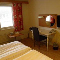 Euroway Hotel 3* Стандартный семейный номер с двуспальной кроватью фото 4