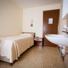 Отель Casa Caburlotto 2* Стандартный номер с различными типами кроватей (общая ванная комната) фото 2