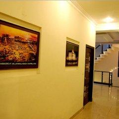 Отель Malik Continental Индия, Нью-Дели - отзывы, цены и фото номеров - забронировать отель Malik Continental онлайн интерьер отеля
