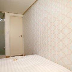 Отель K-POP GUESTHOUSE Seoul Station 2* Номер категории Эконом с двуспальной кроватью фото 4