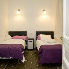 Отель Gran via 476 Барселона комната для гостей фото 3