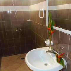 Отель Pension Fare Ara Huahine ванная