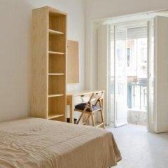 Отель Sunny Lisbon - Guesthouse and Residence 3* Стандартный номер с двуспальной кроватью (общая ванная комната) фото 14