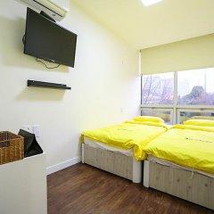 Отель 24 Guesthouse Seoul City Hall 2* Номер Делюкс с 2 отдельными кроватями фото 5