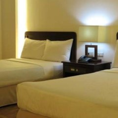Century Plaza Hotel 2* Стандартный номер с различными типами кроватей фото 8