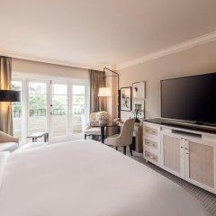 Отель Four Seasons Los Angeles at Beverly Hills 5* Номер Premier с различными типами кроватей фото 4