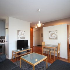 Апартаменты Gella Serviced Apartments комната для гостей фото 5