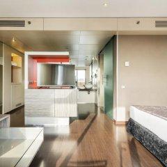 Отель ILUNION Barcelona 4* Улучшенный номер с различными типами кроватей фото 18