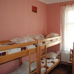 Play Hostel Кровать в общем номере фото 3