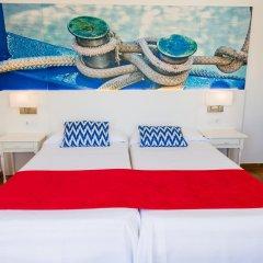Отель Hostal Cala Ratjada комната для гостей