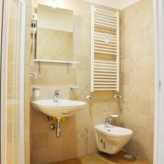 Отель The Wesley Rome 3* Стандартный номер с двуспальной кроватью (общая ванная комната) фото 6