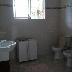 Отель Saaketha House Шри-Ланка, Пляж Golden Mile - отзывы, цены и фото номеров - забронировать отель Saaketha House онлайн ванная фото 2