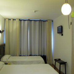 Отель Hostal Athenas Стандартный номер с различными типами кроватей