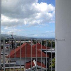 Отель The View Guest House Ямайка, Монтего-Бей - отзывы, цены и фото номеров - забронировать отель The View Guest House онлайн балкон
