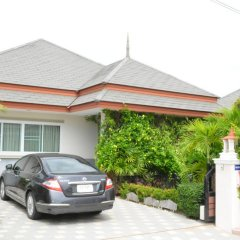 Отель 4 BR Pool Villa Gated Village парковка