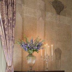 Four Seasons Hotel Firenze 5* Представительский люкс с различными типами кроватей фото 20
