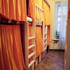 Хостел Fight night (закрыт) Кровать в общем номере с двухъярусными кроватями фото 7