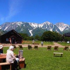 Отель Lodge Karunaju & The Alpine Grill Хакуба