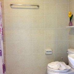 Отель Lovely Rest ванная
