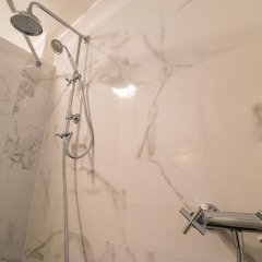 Отель Bastille Family - AC - Wifi Франция, Париж - отзывы, цены и фото номеров - забронировать отель Bastille Family - AC - Wifi онлайн ванная