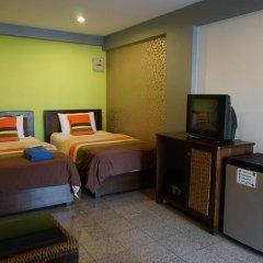 Отель Banglumpoo Place 3* Номер Делюкс с различными типами кроватей