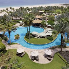 Отель The Ritz-Carlton, Dubai Стандартный номер с различными типами кроватей