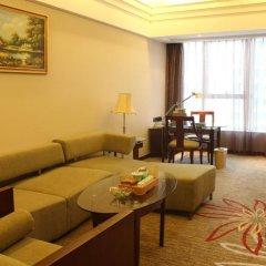 Отель Grand Skylight Garden Hotel Shenzhen Tianmian City Building Китай, Шэньчжэнь - отзывы, цены и фото номеров - забронировать отель Grand Skylight Garden Hotel Shenzhen Tianmian City Building онлайн комната для гостей фото 5