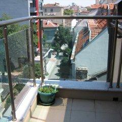 Отель Greek rooms in city centre 3* Номер с общей ванной комнатой с различными типами кроватей (общая ванная комната) фото 5