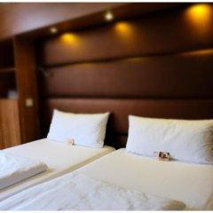 Отель Motel Plus Berlin 3* Стандартный семейный номер с различными типами кроватей фото 10