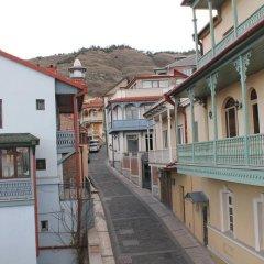 Отель Villa Legend of Tbilisi -17 Abano St Грузия, Тбилиси - отзывы, цены и фото номеров - забронировать отель Villa Legend of Tbilisi -17 Abano St онлайн балкон