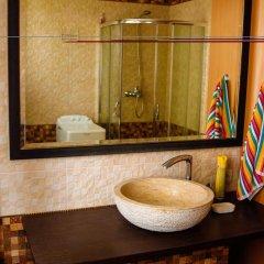 Гостиница Guest house Kolo Druziv Украина, Черкассы - отзывы, цены и фото номеров - забронировать гостиницу Guest house Kolo Druziv онлайн ванная фото 2