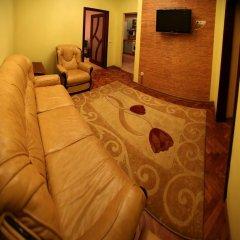 Гостиница Romantic Apartaments 1 Львов комната для гостей фото 4