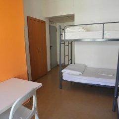 Hans Brinker Hostel Lisbon Кровать в общем номере с двухъярусной кроватью фото 12