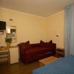 Отель Albergo Vittoria Римини комната для гостей фото 2