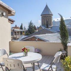 Отель Old Tbilisi Home with Sunny Terrace балкон