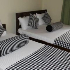 Отель The Mansions 2* Стандартный семейный номер с двуспальной кроватью
