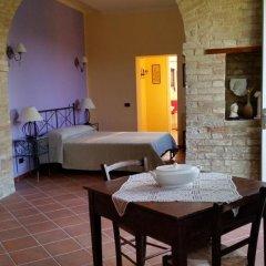 Отель B&b Cervare Монтелупоне комната для гостей фото 3
