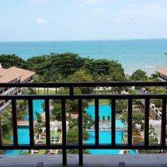 Отель The Heritage Pattaya Beach Resort 4* Люкс с различными типами кроватей фото 11