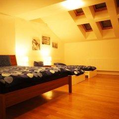 Hostel One Miru Кровать в общем номере с двухъярусной кроватью фото 27