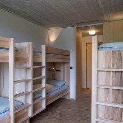Youth Hostel Gstaad Saanenland Кровать в общем номере с двухъярусной кроватью фото 4