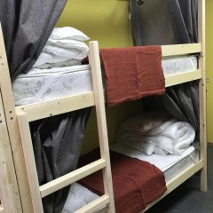 Хостел Медовый Кровать в мужском общем номере с двухъярусными кроватями фото 12
