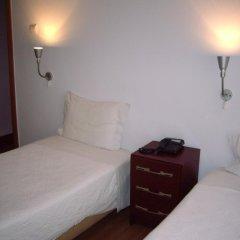 Отель Pensao Residencial Camoes 2* Стандартный номер с двуспальной кроватью фото 3