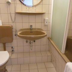 Hotel Central 2* Стандартный номер двуспальная кровать фото 5