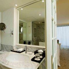 Отель The Kingsbury 5* Улучшенный номер с различными типами кроватей фото 8